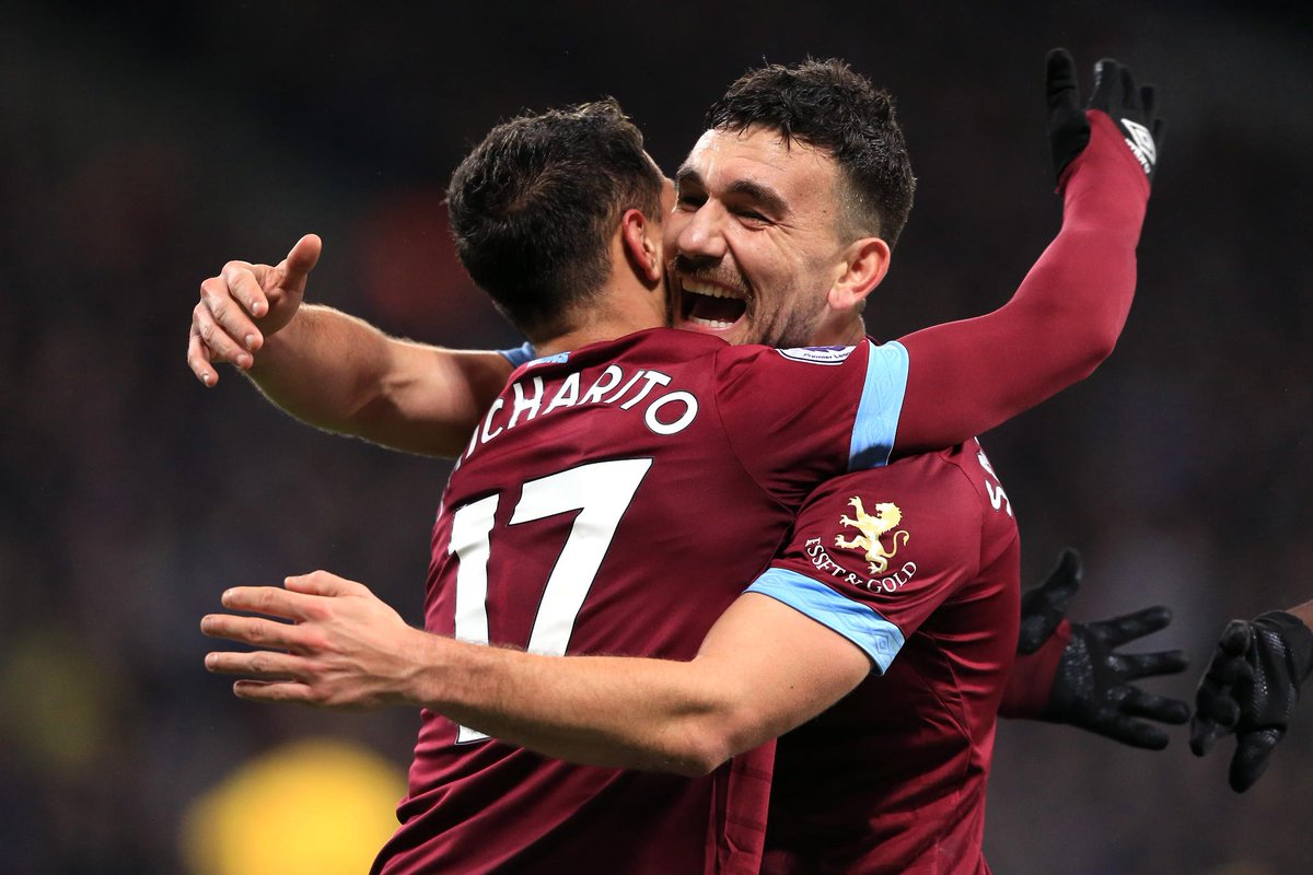 FULL-TIME West Ham 3-2 Crystal Palace West Ham fight back through Snodgrass, Chicharito and Felipe Anderson to make it three #PL wins in a row #WHUCRY