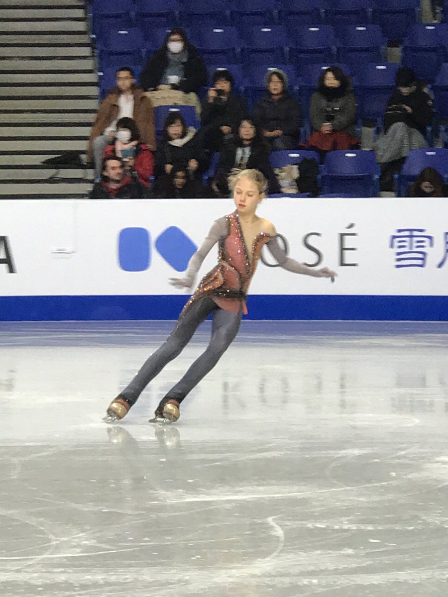 ISU Junior & Senior Grand Prix of Figure Skating Final. 6-9 Dec, Vancouver, BC /CAN  - Страница 18 Dt6N3_DXQAUSZzL