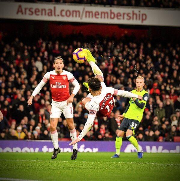 Lucas Torreira last 6 games... 🦁  ✅ MOTM v Liverpool ✅ MOTM v Bournemouth ✅ MOTM v Tottenham ✅ MOTM v Man United ✅ MOTM v Huddersfield  Signing of the season. ✅