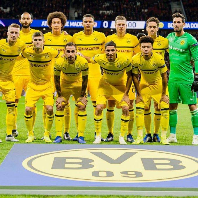 Saluden a los líderes absolutos de la Bundesliga. Saluden al único equipo invicto en TODA la Bundesliga. Saluden al equipo que venció al Bayern Munich. SALUDEN AL BORUSSIA DORTMUND. Photo