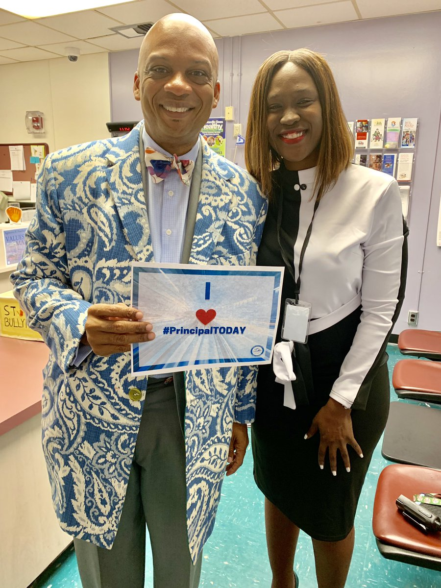 I was happy to have Mayor Oliver Gilbert serve as principal for the day my faculty, staff and students had a great time! #principaltoday <br>http://pic.twitter.com/snVhDCKJbi