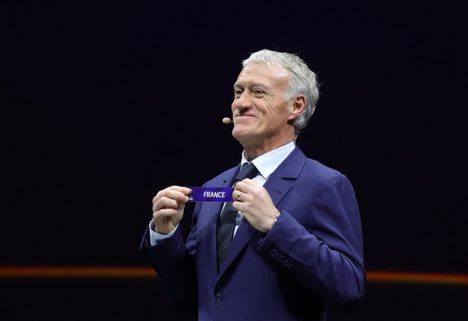 🇫🇷😊 Didier Deschamps was on hand to help out with the #FIFAWWC draw in Paris today 💪 #jonesdozi Photo