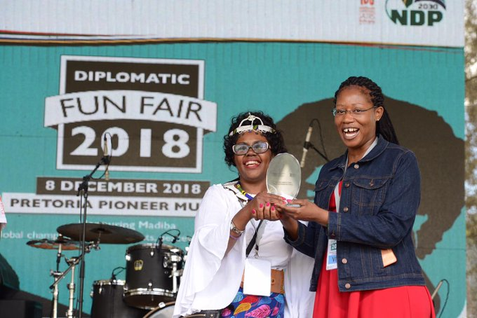 Award giving ceremony at the #DipFair2018 #DiplomaticFair2018 Most informative stall award went to Tanzania, Most colorful: Botswana, award for entertaining stall taken byIndonesia, most creative stall: Portugal, lastly China took the most interactive and overall stall awards. Photo