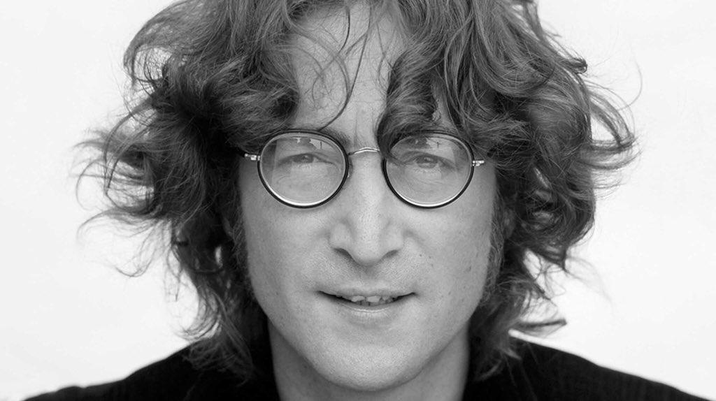 Rest in Peace, John Lennon (October 9, 1940 - December 8, 1980). <br>http://pic.twitter.com/n8uMVySTTx