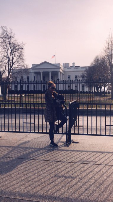 It's so much fun playing tourist in other cities... took Icon to see the White House today https://t