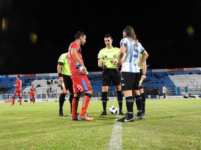 #JuegaElLobo | Comenzó el segundo tiempo! Gimnasia vence por la mínima a Brown, con gol de Diego López. ➡️ Callejo (16) ⬅️ Buono (11) #VamosLobo⚪🔵🐺 Foto