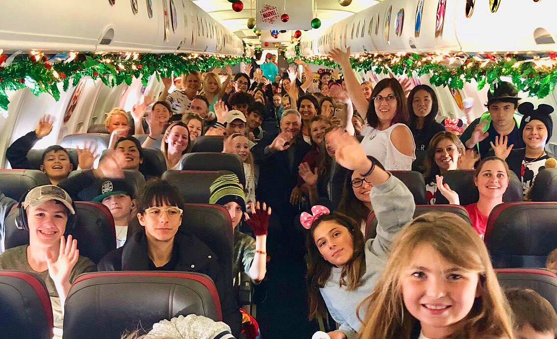 Over 1000 GoldStar Children travel w/ surviving parent, 1,750 in all, via @americanair to Disney World today as part of our @GarySiniseFound Snowball Express program. This charter left LAX this morning. I'll join up in a few days. Have fun kids! We love you!
