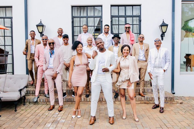 In 2019 I want friends who are unapologetic about wearing INDWANGU. Like these here #TheAfroAffair Photo