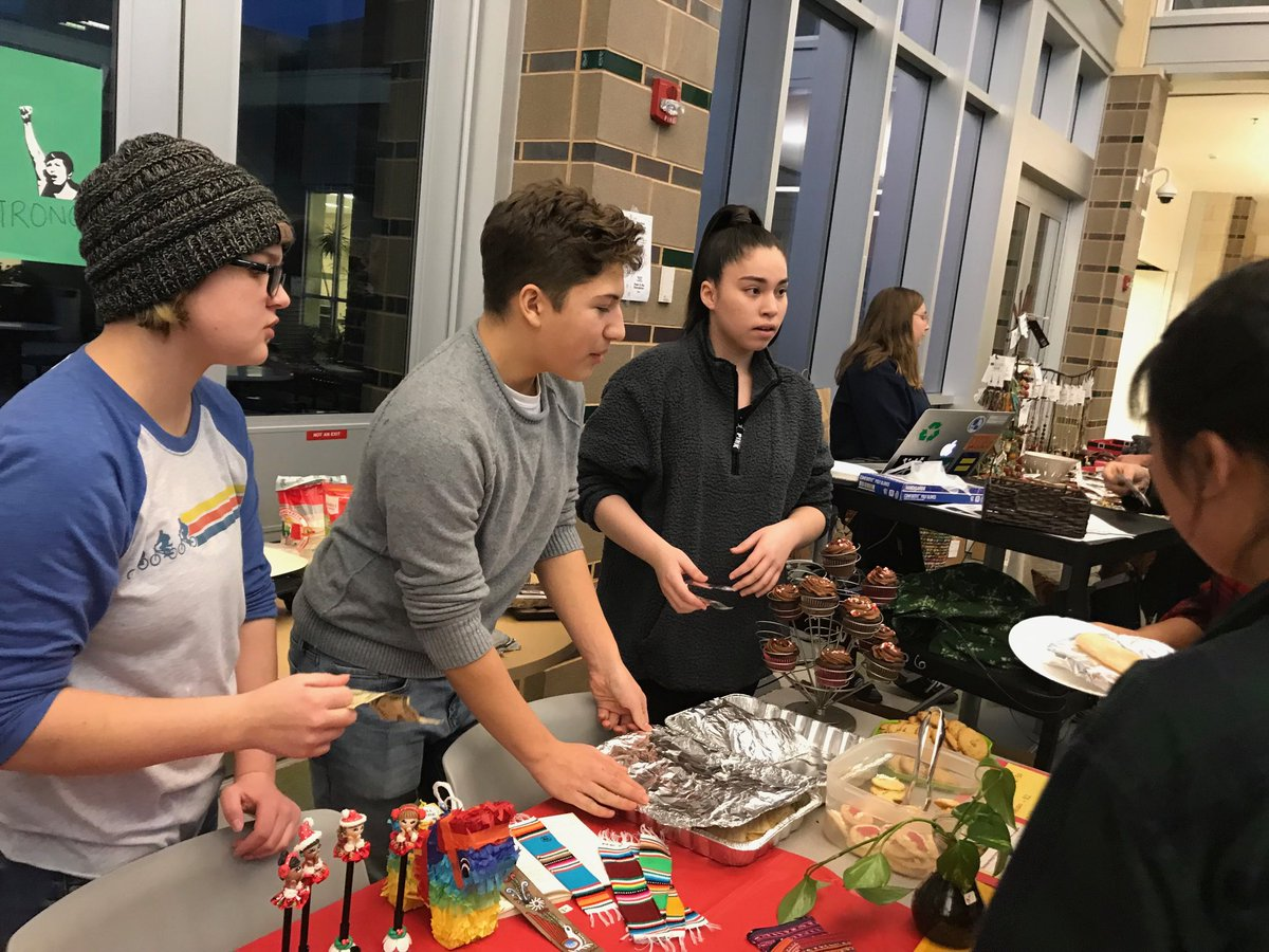 RT <a target='_blank' href='http://twitter.com/WHSbuzzi'>@WHSbuzzi</a>: All in <a target='_blank' href='http://twitter.com/WakefieldShs'>@WakefieldShs</a> Holiday Bazaar <a target='_blank' href='http://search.twitter.com/search?q=Fun'><a target='_blank' href='https://twitter.com/hashtag/Fun?src=hash'>#Fun</a></a> <a target='_blank' href='http://search.twitter.com/search?q=Spanish'><a target='_blank' href='https://twitter.com/hashtag/Spanish?src=hash'>#Spanish</a></a> <a target='_blank' href='http://twitter.com/WHSHappenings'>@WHSHappenings</a> <a target='_blank' href='http://twitter.com/wakefieldchief'>@wakefieldchief</a> <a target='_blank' href='https://t.co/w0T8pX6HMo'>https://t.co/w0T8pX6HMo</a>