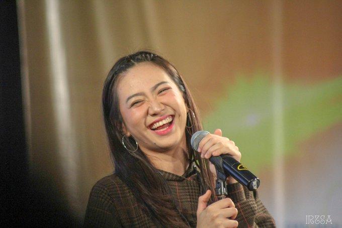 Happy kiddd @shaniaJKT48 JKT48 Saka Agari Handshake Festival Surabaya @ Tunjungan Plaza Convention Hall. 8 Des 2018 #JKT48SurabayaHS Photo