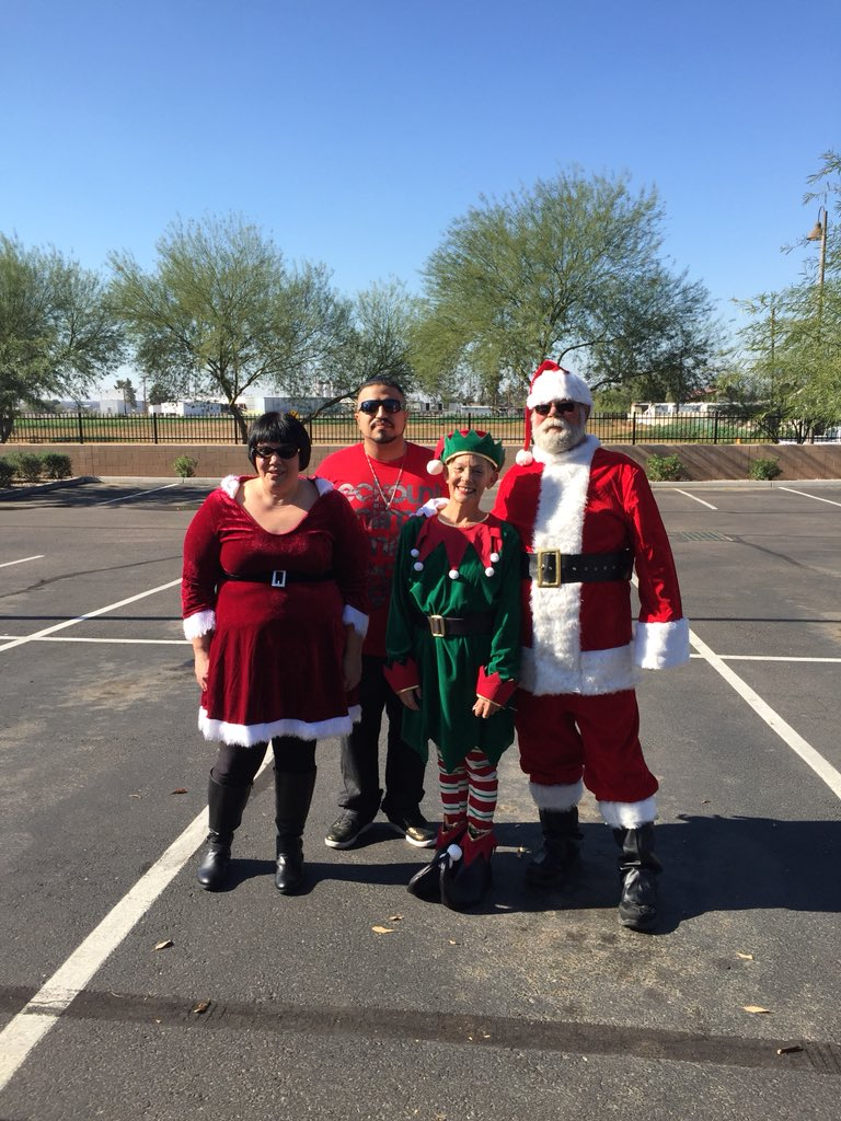 2df36c10ea4 Santa and the crew ready for the Winter Festival at South Ridge High School   lennyatdepot  john abrantes  eschoenTHD  rdc5643pic.twitter.com DOe3K1fHBF