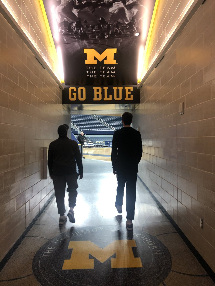 Great day today at the @umichbball game with @PCHSBoysBball and @0w3n_______ ! @UMichAthletics and it was great to catch up with @JohnBeilein and @CoachDreHaynes... #GoBlue<br>http://pic.twitter.com/4RuUk90K6p