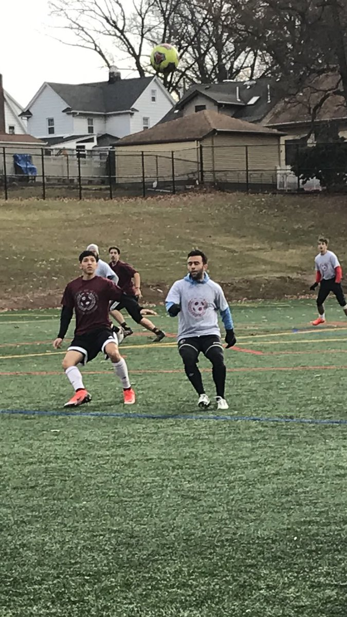 The ridiculous nature of US Soccer DA not permitting HS soccer best illustrated today at Clifton HS. A Memorial Alumni game to raise scholarship $ for Sr's in the name of former coach Fernando Rossi whose son & alum @GiuseppeRossi22 played today. Massive turnout. @lembryksoccer