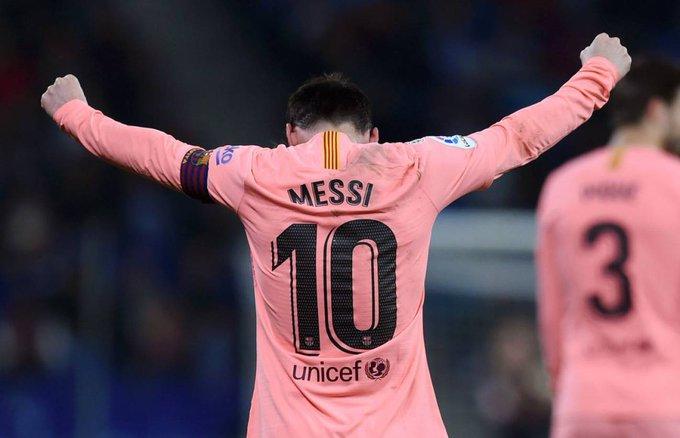 #LaLiga 🇪🇸 Un imperial Messi lidera la goleada del Barça en Cornellà 👇 Crónica 📰 Foto