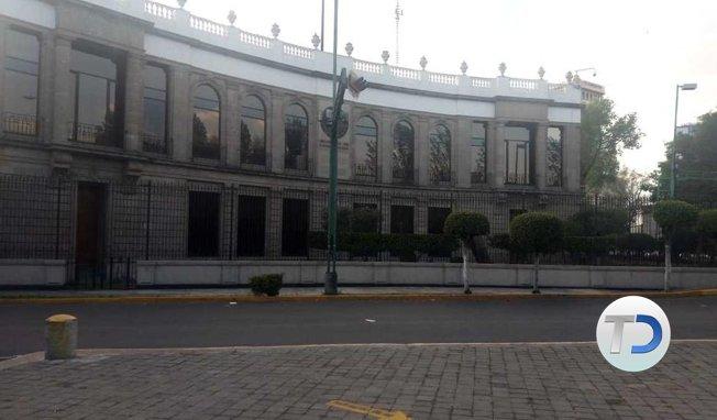 #NACIONAL Retiran vallas que resguardaban la Segob ➡ Foto