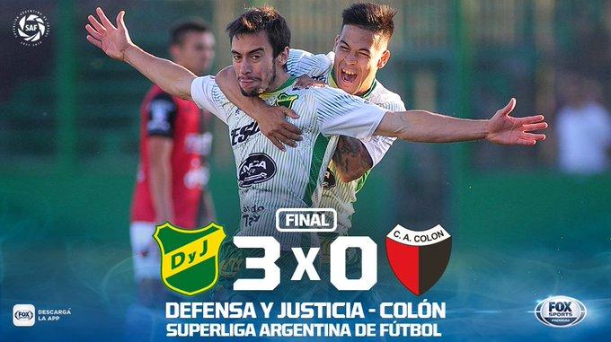 APLAUSOS PARA DEFENSA Y JUSTICIA 👏👏👏 #SuperligaxFOX | El Halcón cerró un semestre ejemplar con un contundente 3-0 sobre Colón en Florencio Varela. Foto