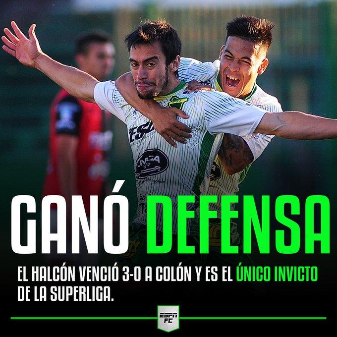 ¡Qué Superliga de Defensa y Justicia! Los de Florencio Varela le ganaron 3-0 a Colón, con goles de Rius, Aliseda y Togni, y le pisan los talones a Racing. Foto