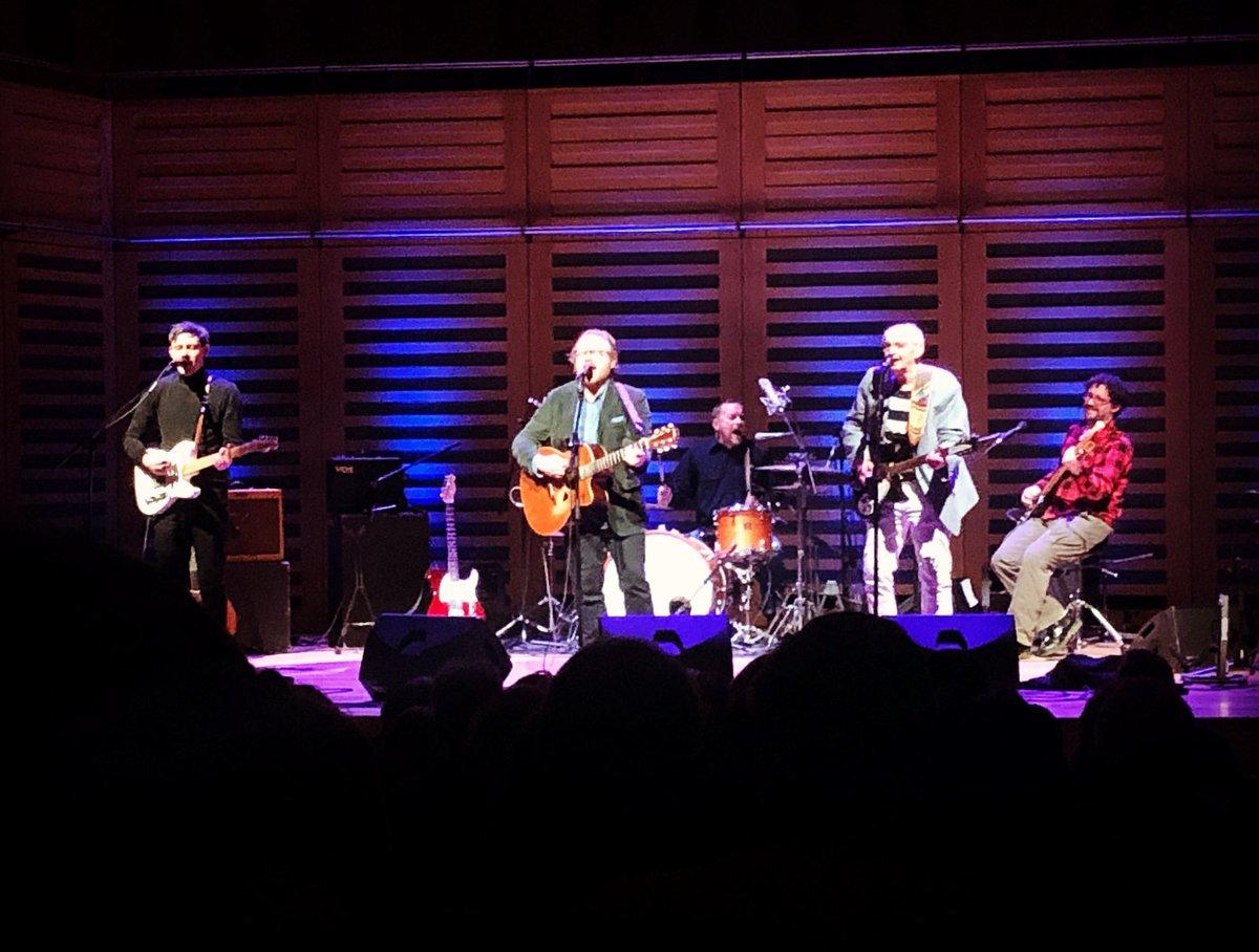 The fantastic @benwilpoole at @KingsPlace tonight... awesome! #Harmony #Rickenbacker #Jangle #HateWontWin
