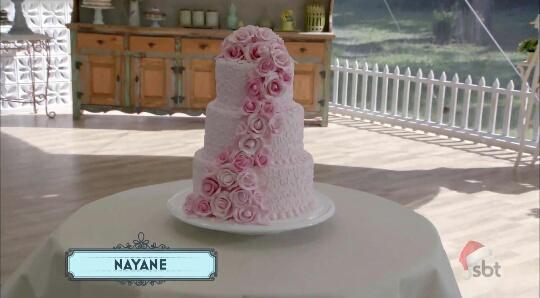 A NAYANE é a rainha do mimimi, mas neeeeessa prova criativa a vitória dela foi clara. O bolo dela estava lindo! O que é justo, é justo. @BakeOffBrasil #BakeOffBrasil @NADJAHADDAD Foto