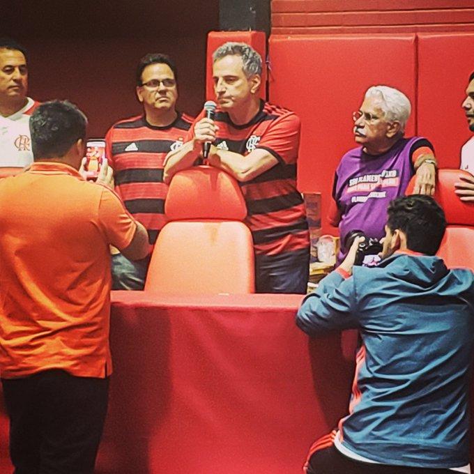 Rodolfo Landim, presidente eleito do @Flamengo . Em uma palavra, ele resumiu, assim, a mudança emergencial que faria e sua prioridade: TITULOS. Em caixa alta por causa da ênfase dada na resposta à pergunta que fiz no @SporTV. #flamengo #Landim Foto