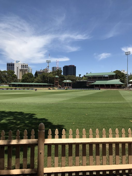 Another picture perfect day here at North Sydney Oval ☀️ 2 hours to go until we take on @HeatWBBL! Watch LIVE on 7mate and Fox Cricket 📺 #ThunderNation Photo