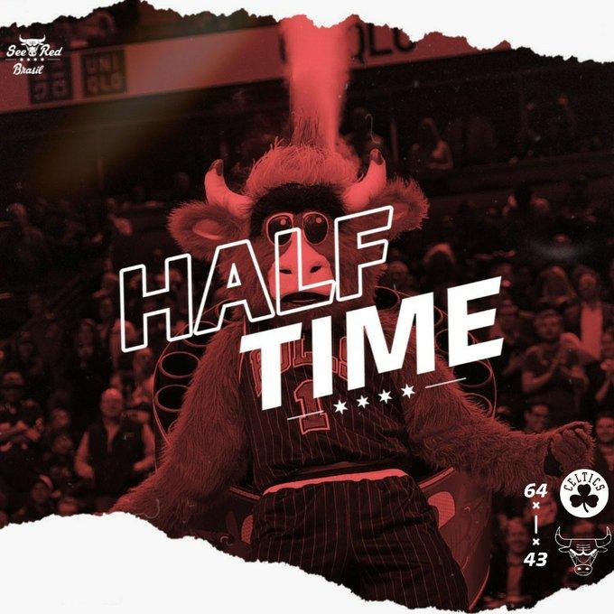 INTERVALO! Chicago Bulls 43-64 Boston Celtics 📊: LaVine: 11pts / 2reb / 2ast Parker: 6pts / 2reb / 1ast Markkanen: 5pts / 4reb / 1ast #BullsNation #NBAnoSporTV Foto