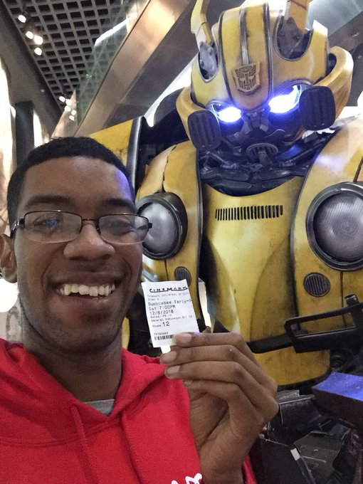I just saw @bumblebeemovie in an early access screening, and it was absolutely awesome! You will love it! I had a blast watching it and i can't wait for the whole world to see it! #BumblebeeMovie Photo