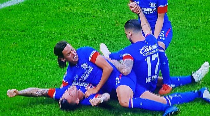 #CruzAzulvsrayados 1-0 Milton Caraglio de villano a héroe!!! Monterrey en problemas !!! Photo