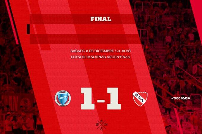 Final del partido @ClubGodoyCruz 1-1 #Independiente Un hermoso tiro libre de Maxi Meza le dio el empate al Rojo en el último partido del 2018. #TodoRojo 🔴 Foto