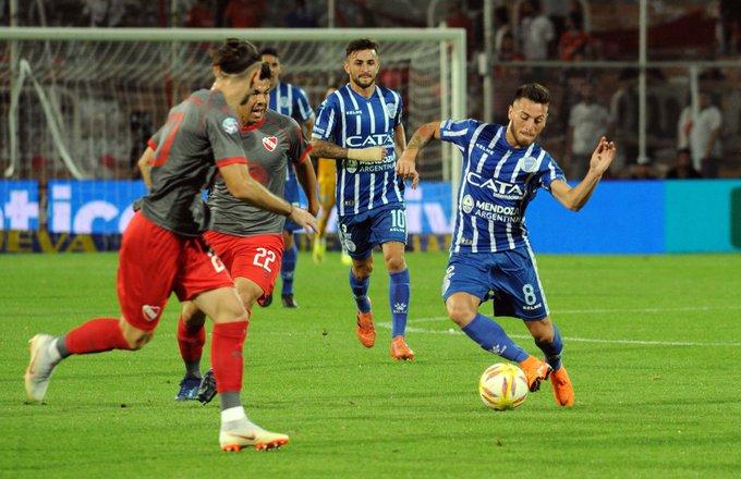 ¡Final! Godoy Cruz e Independiente igualaron 1-1 en Mendoza. Ángel González abrió el marcador para el Tomba y Maxi Meza lo empató. Foto