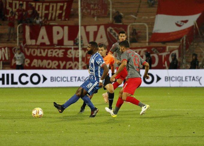 ¡Final en Mendoza! Godoy Cruz lo ganaba por el gol de Ángel González, pero Independiente marcó a través de Maxi Meza y el partido terminó 1-1 por la fecha 15 de la Superliga. Foto