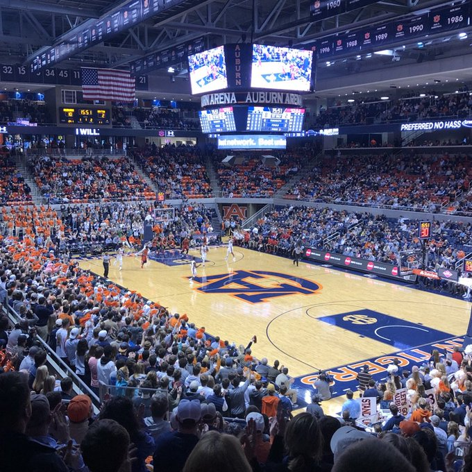 Auburn beats Dayton 82-72. The Flyers are good, not as good as Auburn, but they are good. #wareagle Photo