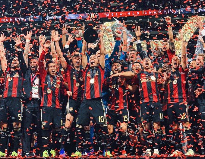 Con Miguel Almirón como emblema y el Tata Martino como entrenador, dos ex #Lanús, Atlanta United se consagró en Estados Unidos campeón de la MLS. Foto