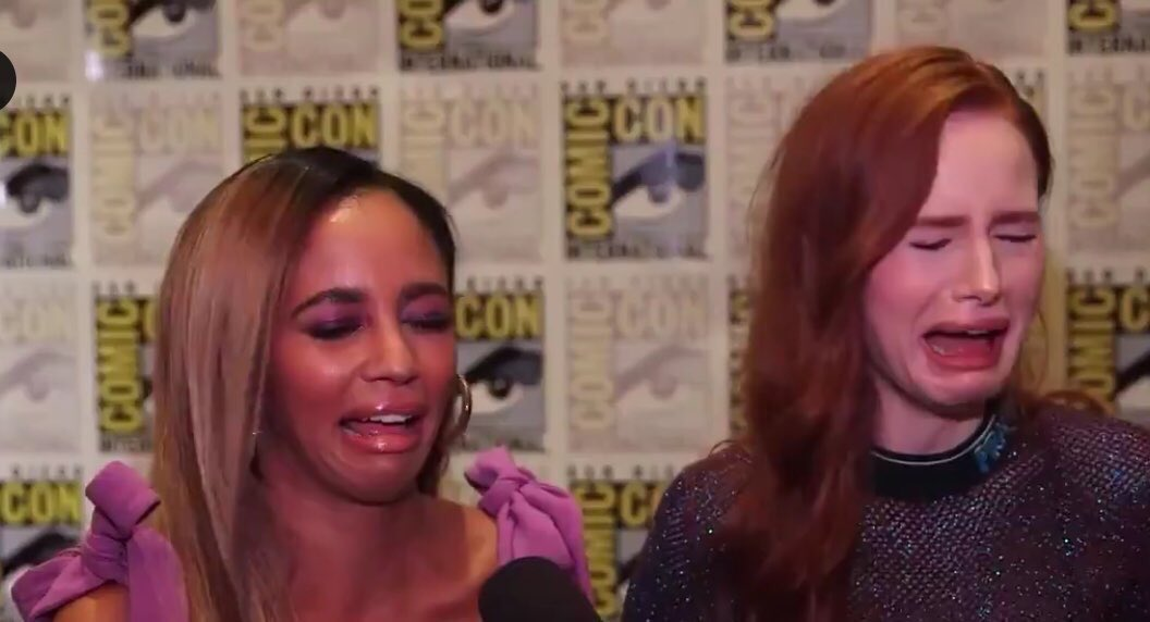3x08 Riverdale: - 3 scenes with Choni (one long) - Choni kissing - CHONI IN CHERYLS ROOM - Badass Cheryl - Cheryl running to Toni during her seizure  - Emotional/Vulnerable side of Cheryl - Choni talking to each other with no one interrupting them  Am I crying? Yes. <br>http://pic.twitter.com/yItk18aFlv