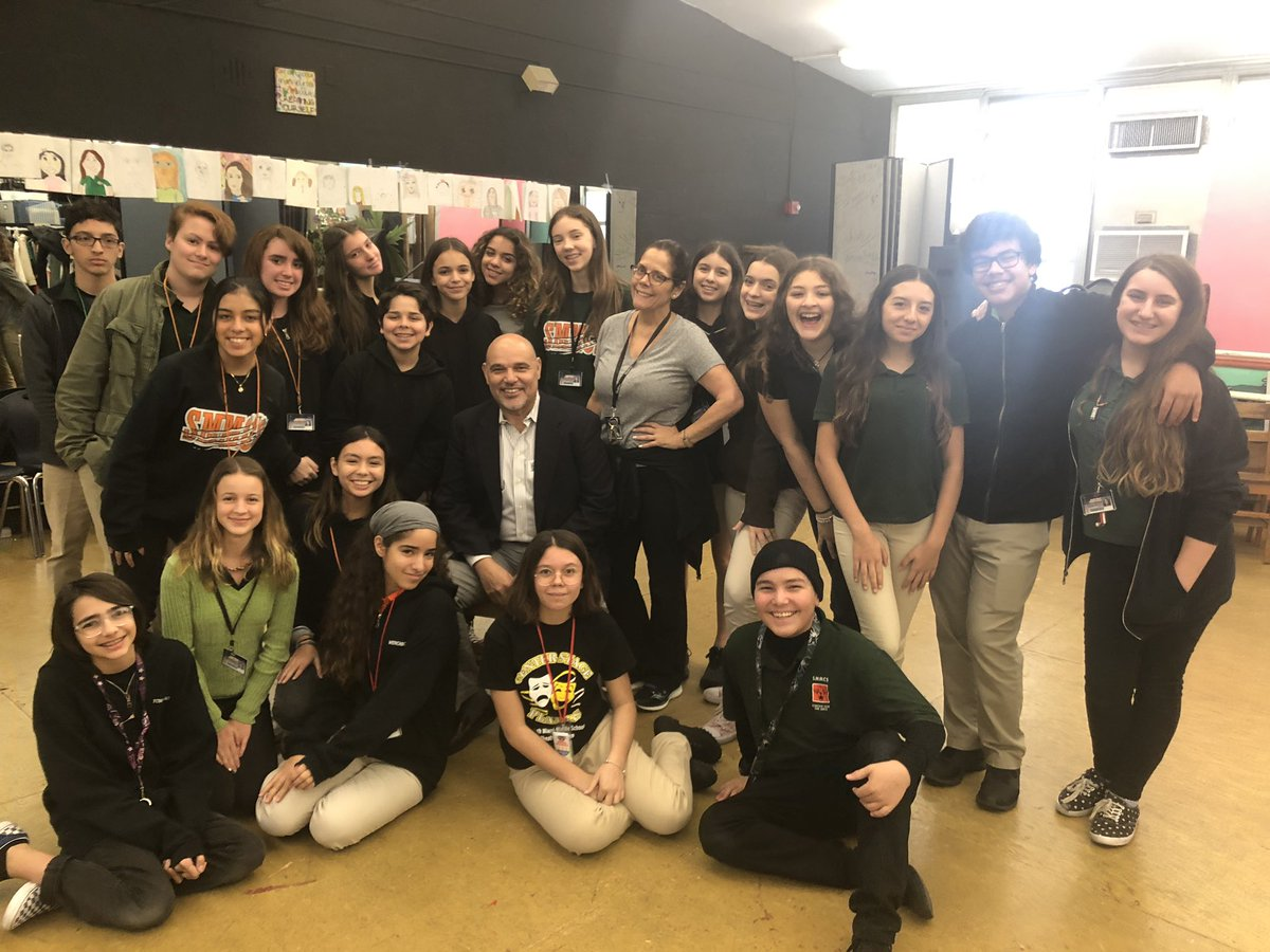 Our #principalTODAY Mr. Luis Enriquez with our talented drama students! @MDCPSCommunity @MDCPS @MDCPSCentral<br>http://pic.twitter.com/fPAgPTgcaM
