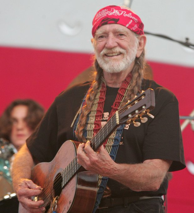 #MinimizeASong You were sometimes on my mind. @WillieNelson 🎶🎵🎼 Photo