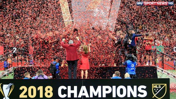 FUSSBALL INTERNATIONAL Als erste Deutsche: Gressel und Kratz gewinnen den Titel in der MLS: #SkyInt Foto