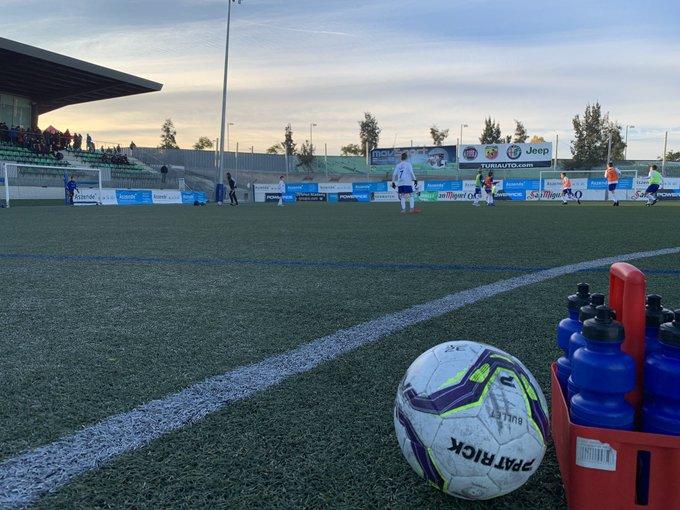 ⏰ | En unos minutos el balón ya será el protagonista en el Nou Municipal de Cornellà. 😁 La espera para 18 equipos más ha llegado a su fin. Solo 3 de ellos se harán con un billete para la Fase Final. ¡No te lo pierdas! #MediaGolCup18 Foto