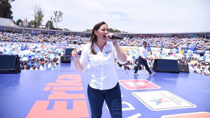 Desde este espacio felicito a @MarthaErickaA nuestra primera gobernadora La voluntad de los ciudadanos se respetó en el @TEPJF_informa Éxito en esta nueva encomienda por el bien de Puebla y sus familias. #MarthaGobernadora Photo