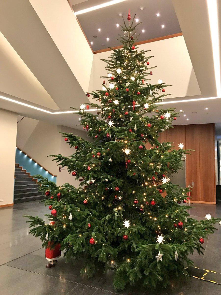 Weihnachtsbaum Rot Silber.Bundesministerium Des Innern Für Bau Und Heimat On Twitter Wir