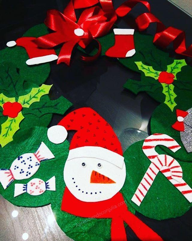 Hacemos Una Corona De Navidad Esta Es La Nuestra Hecha Con Fieltro