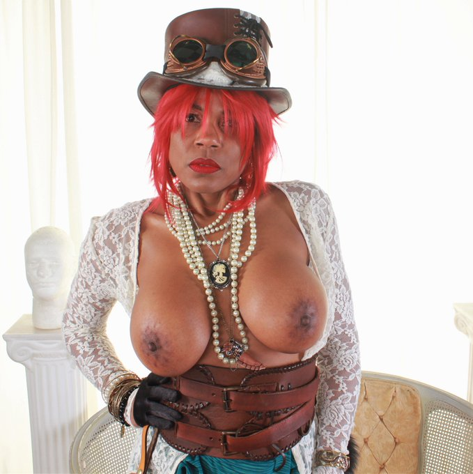 @semodudelives @ravenswallowz #bikinimodel #cosplay #latex #lingerie #adultmodel #amateurporn https://t