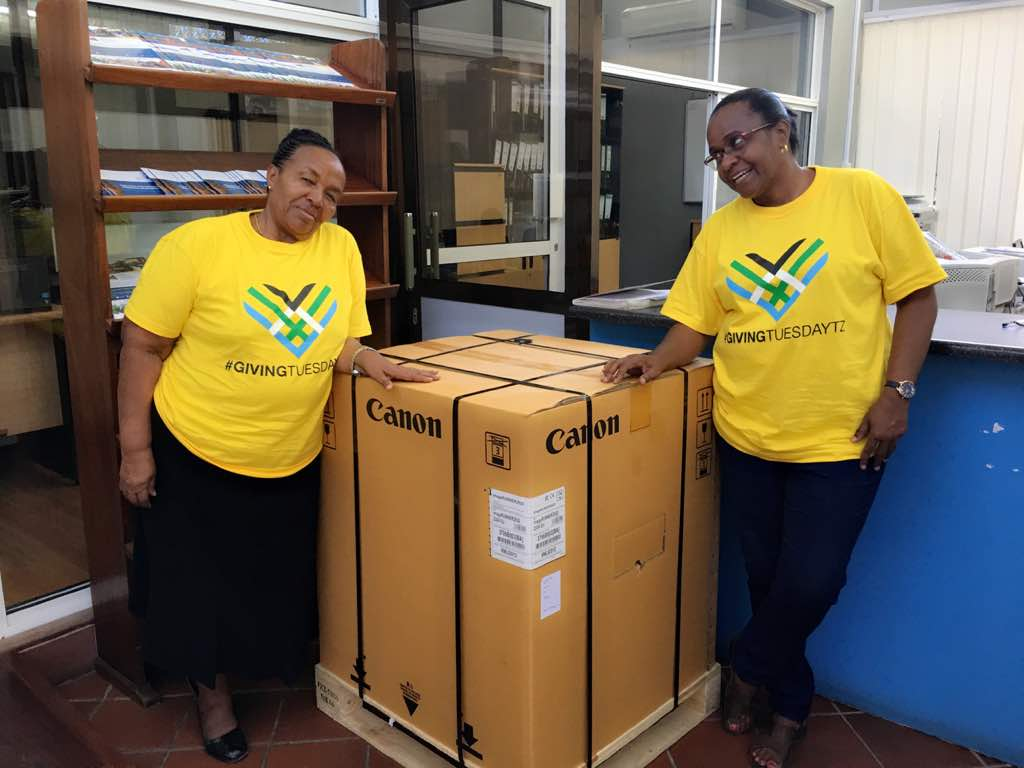 Photocopy machine for New Hope for Girls! This is from FCS (Foundation for Civil Society) staff! #GivingTuesdayTZ #GivingTuesday @FCSTZ @KarinRupia @marthaolotu @geline_gee @AdellaJanuary @jr_masaki @JWandil