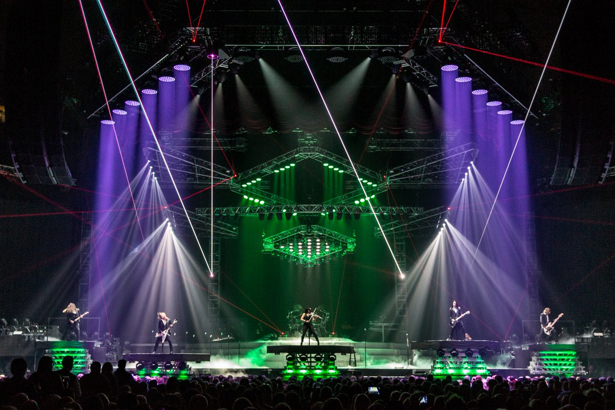 Ready to get in the Holiday Spirit?! The AAC can help! RT and FAVORITE for your chance to win 2 tickets to @trans_siberian on December 22nd at 3pm!!🎄 Winner announced at 3pm, tomorrow. (11/28)