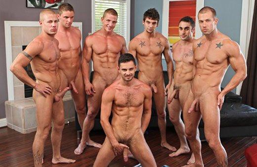 Фото голые парни смотреть онлайн видео отдых