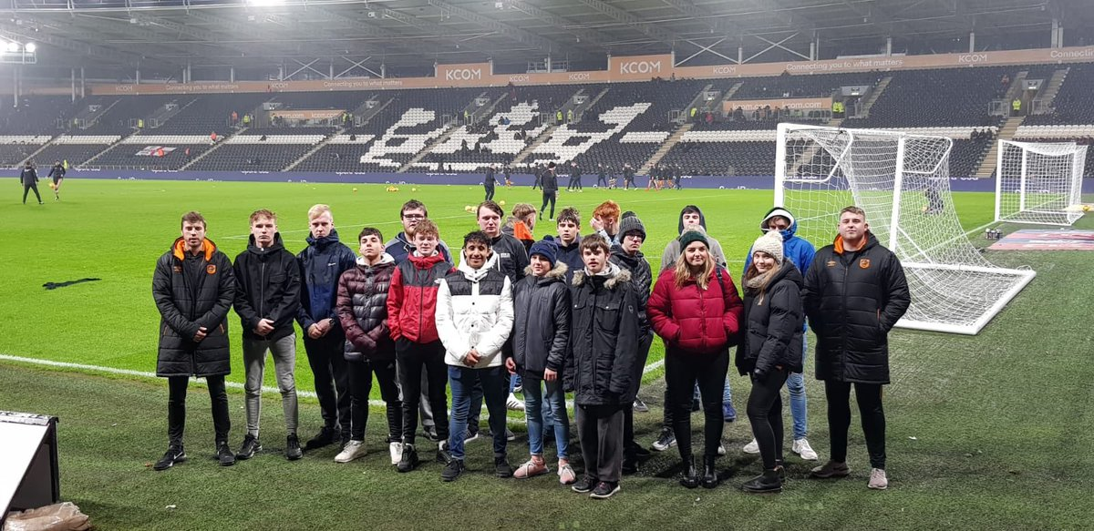 Here at tonight's game with our guests from @SM6Hull , @BishopBurton , @hullcollegegrp and @WilberforceSFC who have all recently completed our @NCS programme