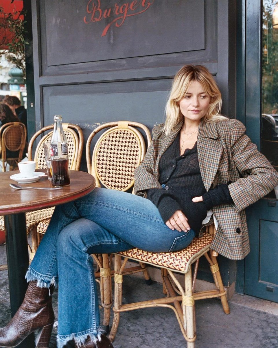 Sabina Socol is our Parisienne winter chic inspiration - and not just for her clothes either. The influencer took to Instagram to urge her followers to think about the environmental and human impact of overbuying clothing during the sales period.   © Instagram @sabinasocol https://t.co/IhOjS4CulH