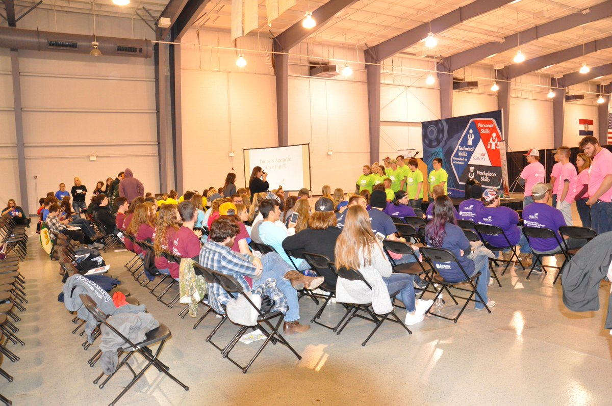 75 students from Clinton Technical School attended the SkillsUSA Fall Leadership Conference on Friday, November 9 at the Business and Technology Campus of MCC. Students attended workshops on skills such as teamwork and communication which will help prepare them for employment.