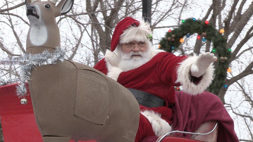 The 26th annual Santa Claus parade took place in #FortSask on Saturday. Here's a recap video incase you missed the show: https://bit.ly/2zD3hy7  @FtSaskChamber @CityFortSask #strathco #SantaClaus #santaclausparade #threesixtyalberta #community #news #HolidaysAreComing