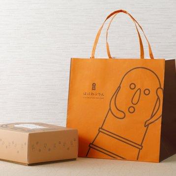 何これ可愛い! 「はにわ」に入ったなめらかプリン♪しかも、考案したのは「天ぷら料理」のお店の料理長!ハニワ容器は陶器製なので、食べ終わった後も使ってもらえますよ! ⇒ #接待の手土産 #取り寄せOK